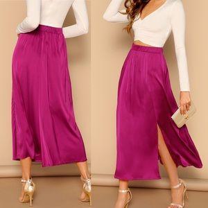Dresses & Skirts - 🆕Hot Pink satin elastic waist midi skirt w/ slit